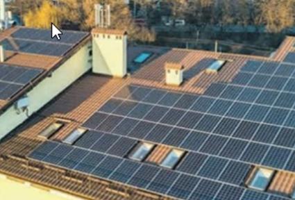 Las placas solares ahorran dinero y energía a los vecinos