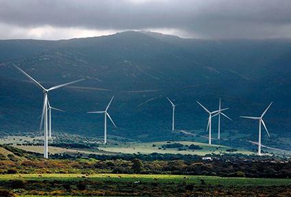 Fondos y empresas inician una carrera multimillonaria de inversiones ante el objetivo de electricidad renovable del Gobierno para 2030
