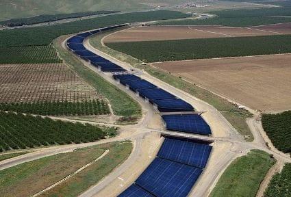 Ríos de paneles solares: la idea para bajar la factura de la luz y ahorrar agua