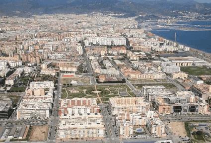 Málaga estudia impulsar plantas fotovoltaicas en grandes solares municipales